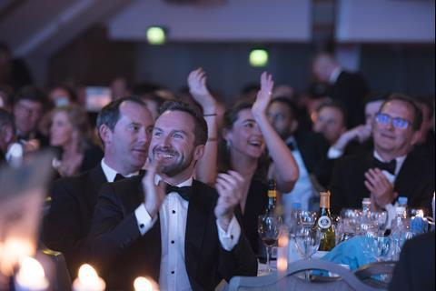 resi_awards2018_crowd2